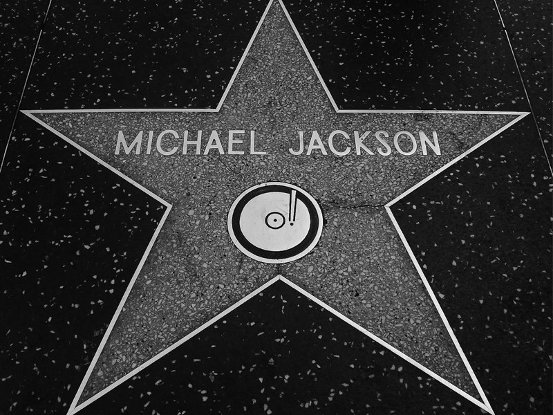 bonjour a tous les amies de notre ange M J. Michael-jackson-flickr