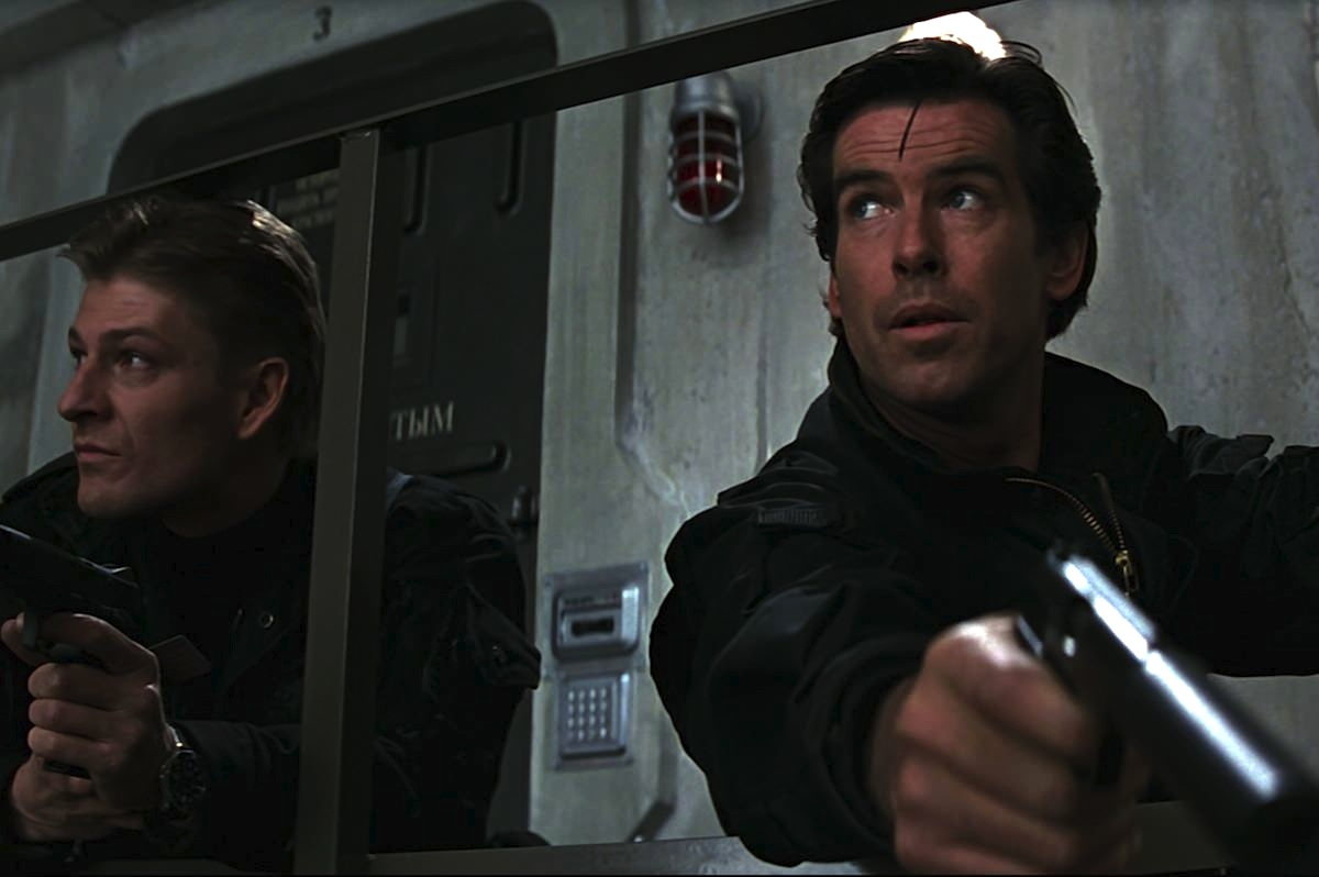 James bond goldeneye campbell pierce brosnan