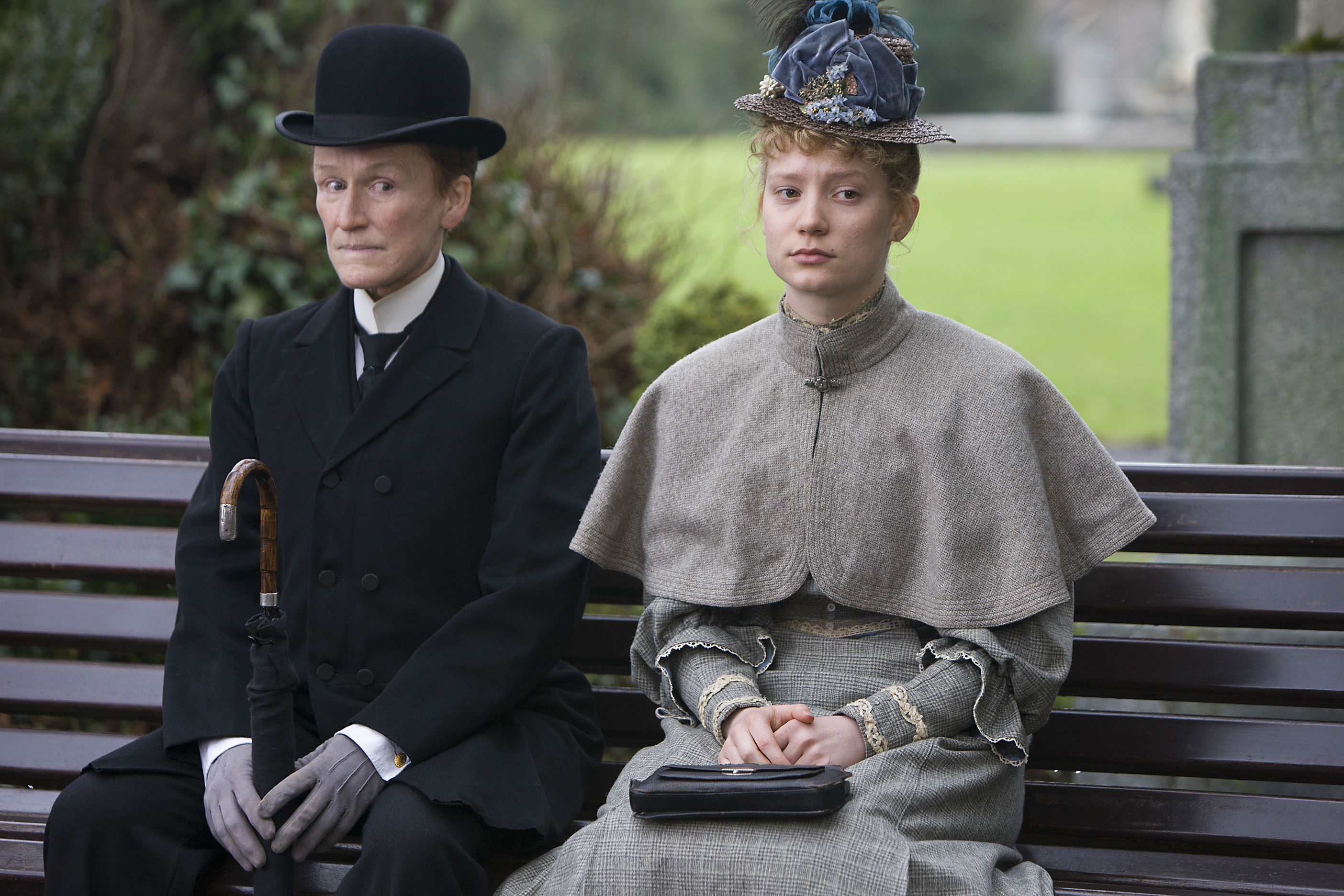 Albert nobbs mia wasikowska glenn close