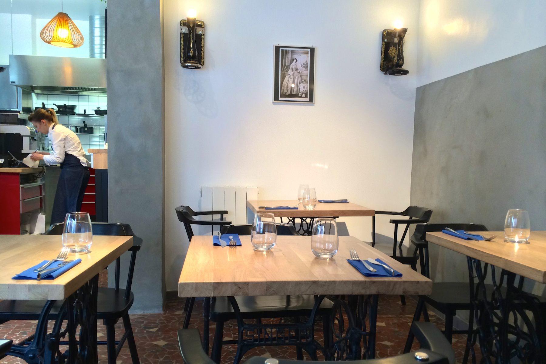 Le kitchen cafe salle