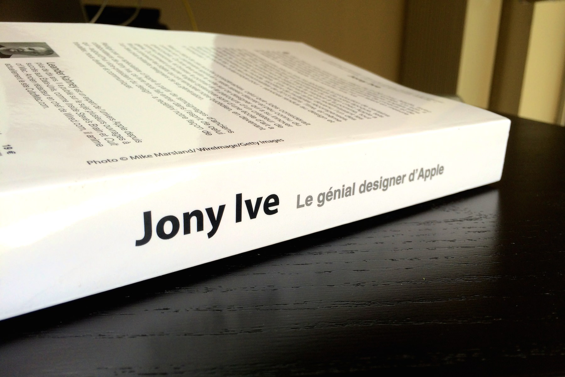 Leander kahney jony ive genial designer apple