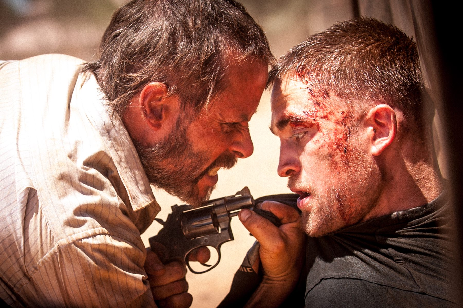 The rover guy pearce robert pattinson michod