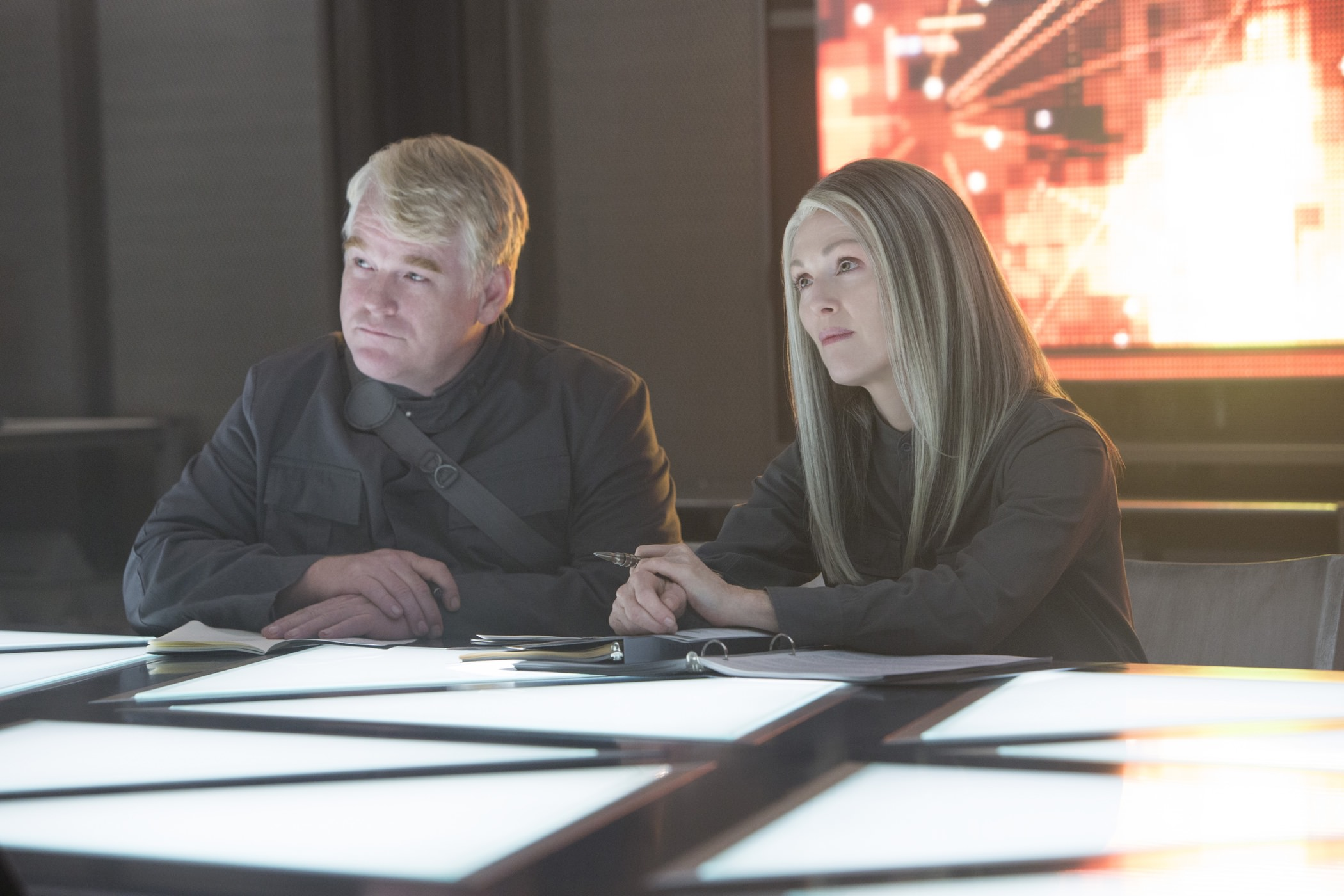 Hunger games revolte 1 philip seymour hoffman julianne moore