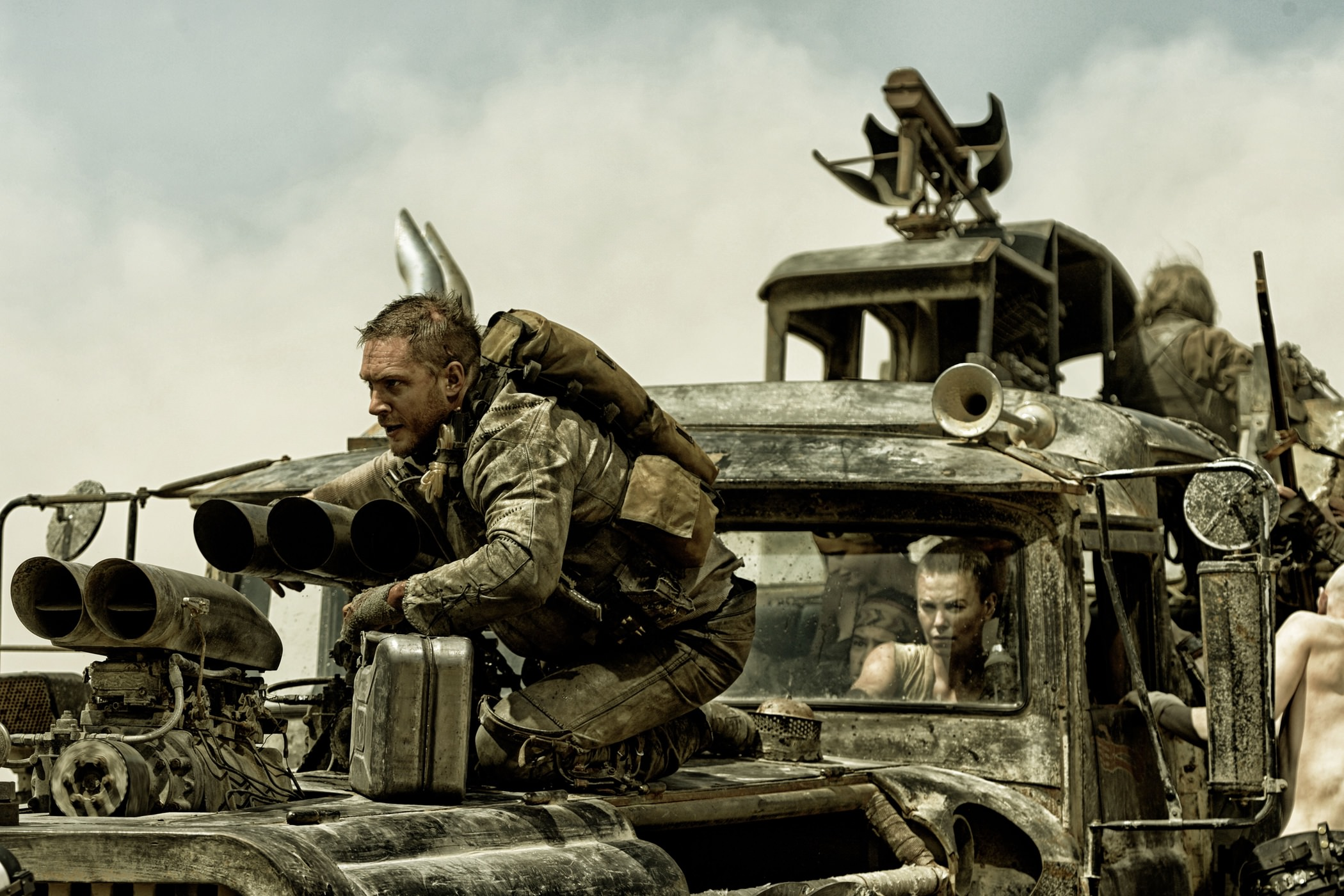 Tom hardy charlize theron mad max fury road