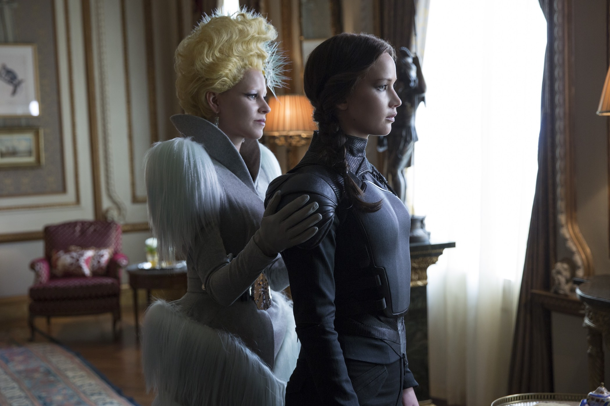 hunger-games-revolte-partie-2-jennifer-lawrence-elizabeth-banks