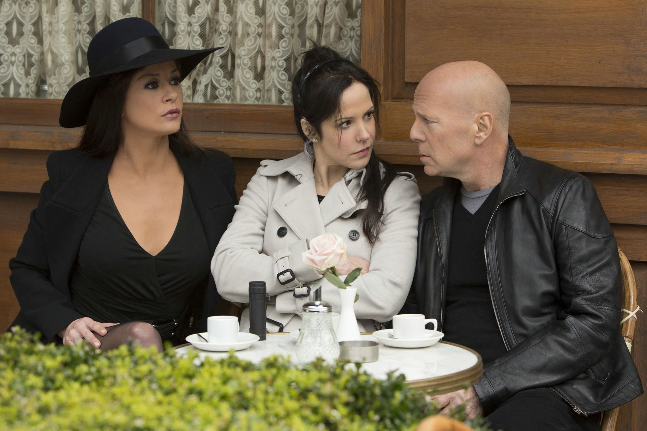 red-2-bruce-willis-mary-louise-parker-catherine-zeta-jones