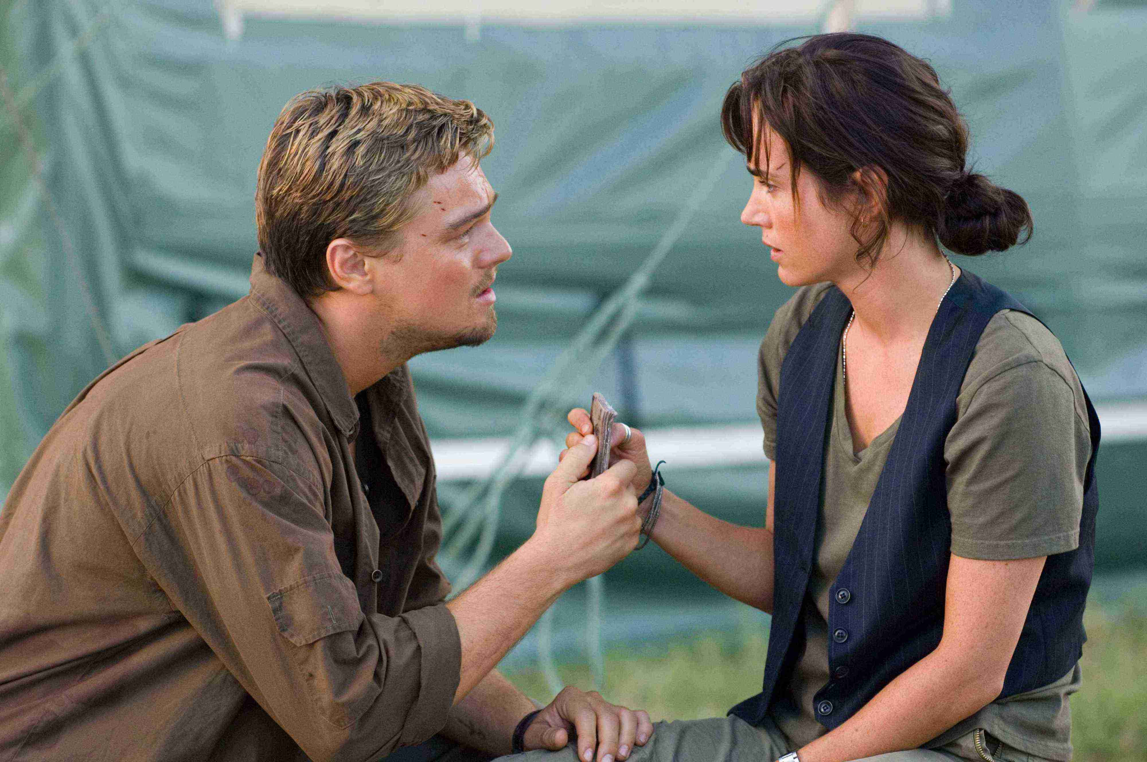 blood-diamond-leonardo-di-caprio-jennifer-connelly